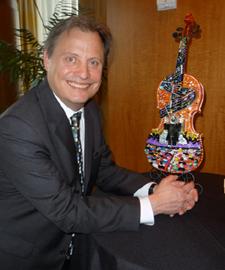 josh-worbey-fazzino-3d-pop-art-violin-med