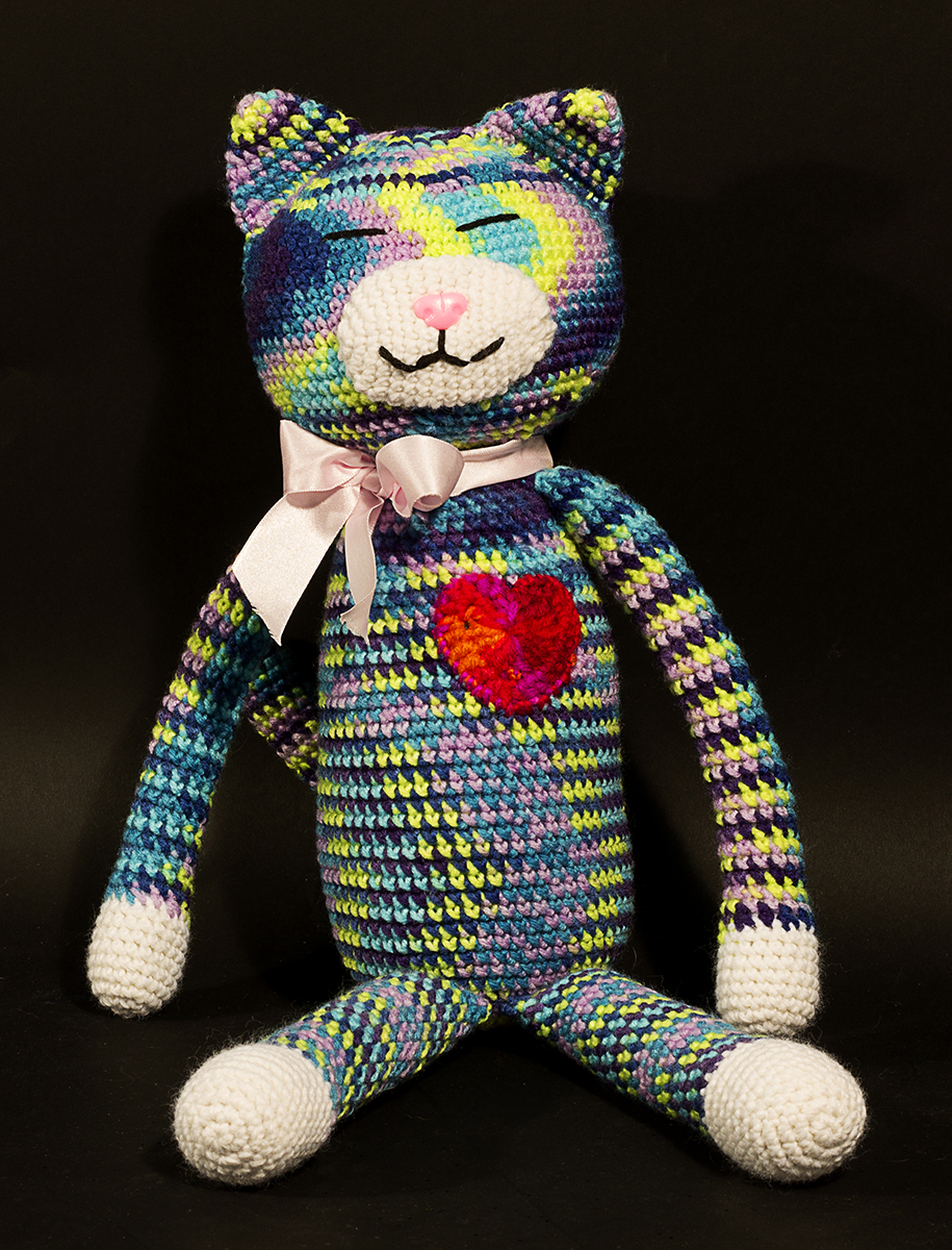 rainbow crocheted kitten with a red heart | Christina's Crocheted Characters
