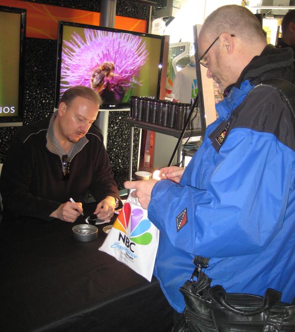 Charles-Fazzino-Olympic-3D-Pin-signing-LR
