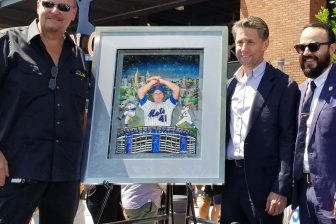 Charles Fazzino with Jeff Wilpon and NYC Councilman Francisco Moya unveil the Tom Seaver artwork